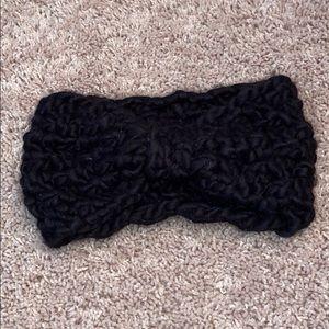 Black headband with bow